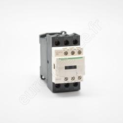 EI00154 - COFFRET 4 PC (2P+T/16A) + 1 PC (3P+N+T/16A) + AU + voyant